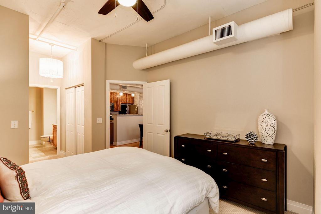 Bedroom (Master) - 1205 GARFIELD ST #405, ARLINGTON