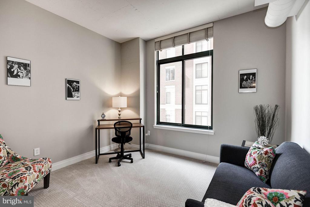 Bedroom 2 with New Carpet & Paint - 1205 GARFIELD ST #405, ARLINGTON