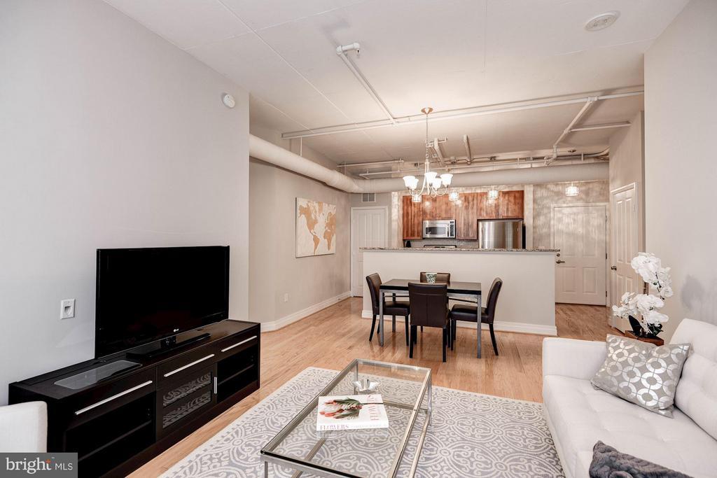 Living Room - 1205 GARFIELD ST #405, ARLINGTON
