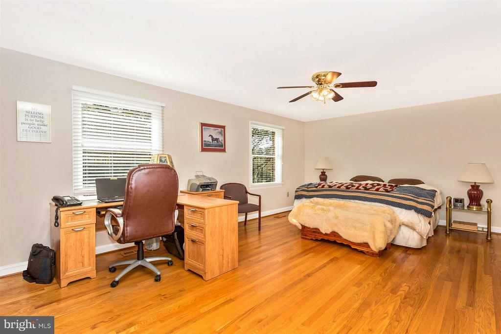1st Floor Master Bedroom2 with view of Park Lake! - 3829 PURDUM DR, MOUNT AIRY
