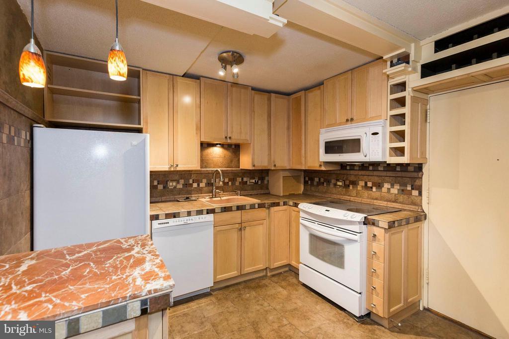 Kitchen - 1311 DELAWARE AVE SW #S529, WASHINGTON