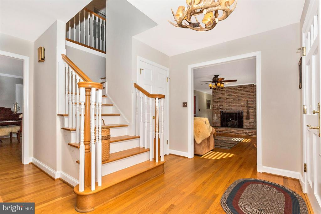 NEW 2004-Stairs to 2nd Floor from Entry Foyer - 3829 PURDUM DR, MOUNT AIRY