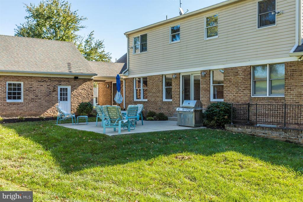 Exterior-Rear with patio & Natural GAS hookup - 3829 PURDUM DR, MOUNT AIRY