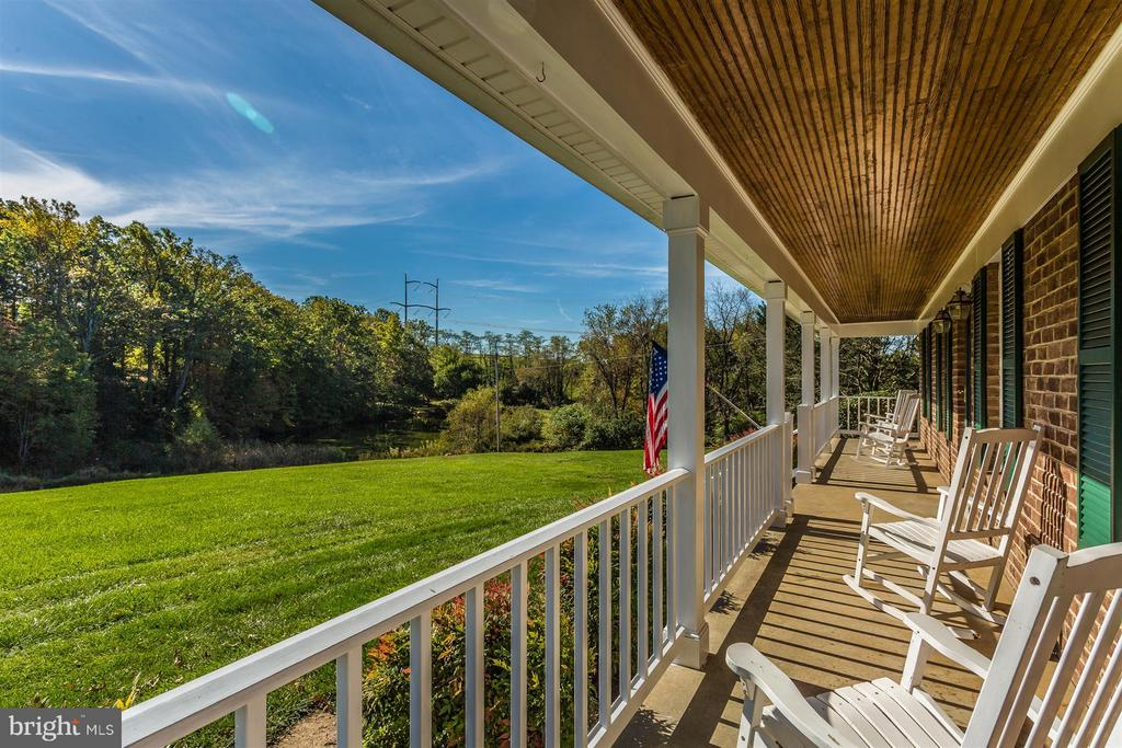 Front Porch overlooking Park Lake w/HWD Ceiliing - 3829 PURDUM DR, MOUNT AIRY