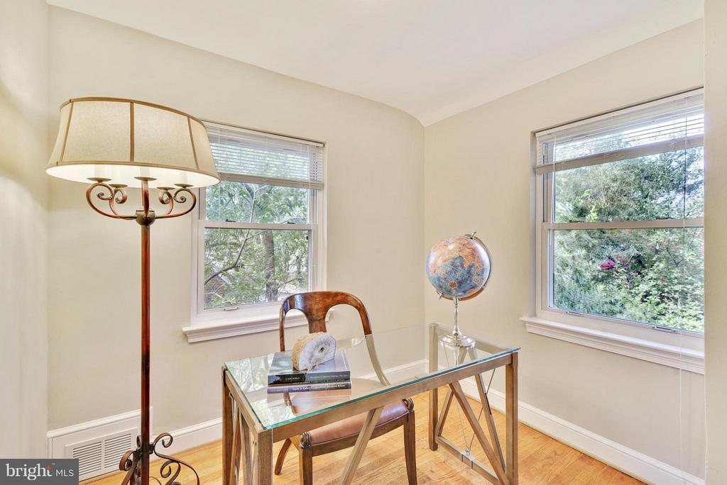 3rd bedroom can be used as an office, guest room - 116 MONCURE DR, ALEXANDRIA
