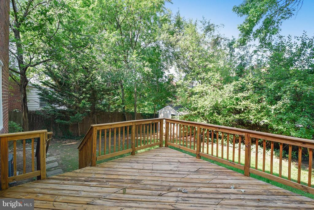 Deck has been recently power washed and sealed! - 116 MONCURE DR, ALEXANDRIA