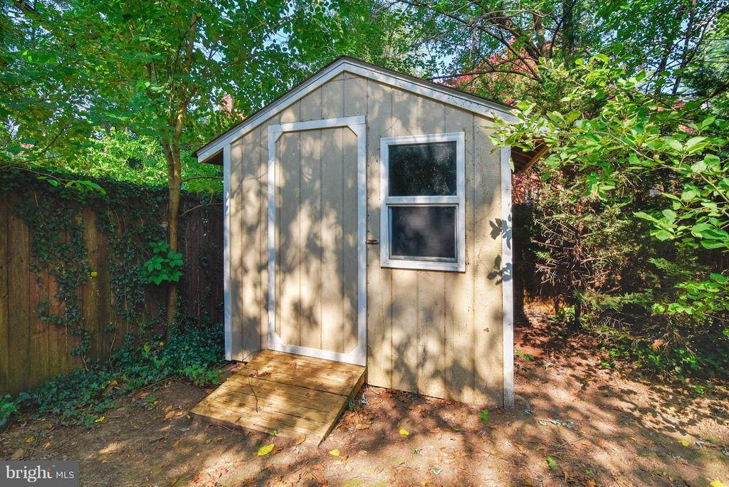 More storage space in the shed - 116 MONCURE DR, ALEXANDRIA