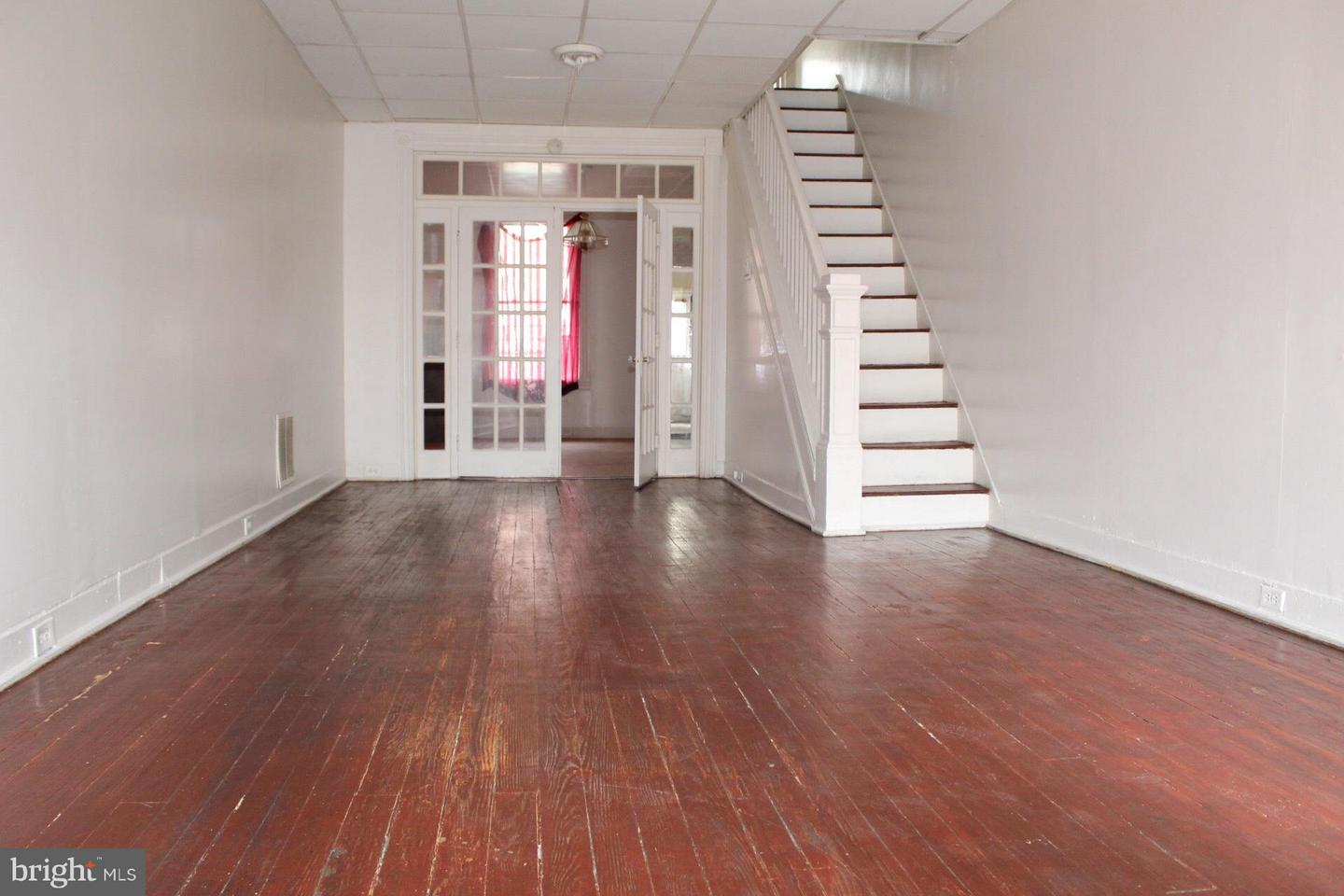 Single Family for Sale at 3 East Ave N Baltimore, Maryland 21224 United States