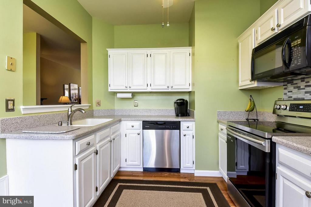 Kitchen - 208 MILL CROSS LN, OCCOQUAN