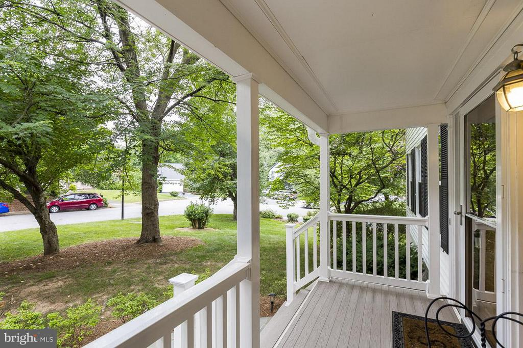 Enjoy Tranquility of Cul-de-Sac on Front Porch - 6207 GOODING POND CT, BURKE