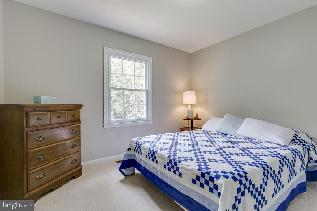 Bedroom 4 with Views of Rear Yard - 6207 GOODING POND CT, BURKE