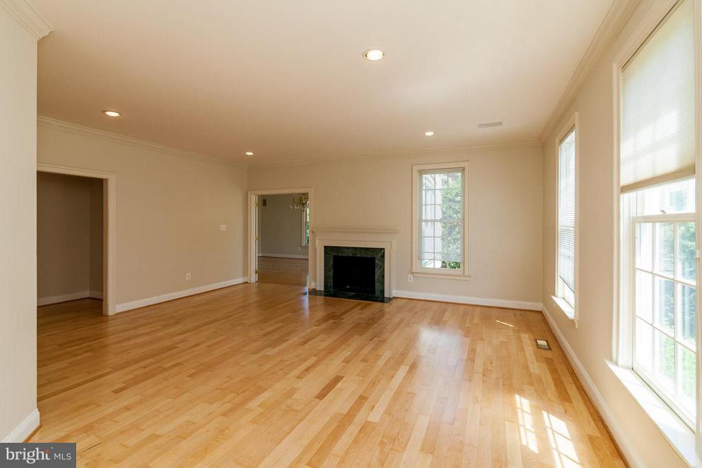 Living Room - 1445 MAYHURST BLVD, MCLEAN