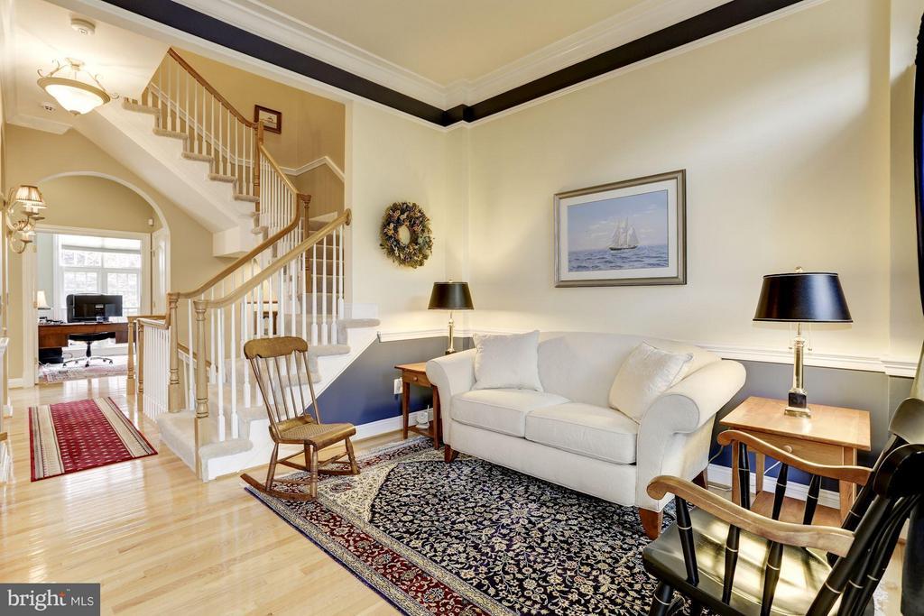 Open Floor Plan - Forma Living Space - 5237 BESSLEY PL, ALEXANDRIA
