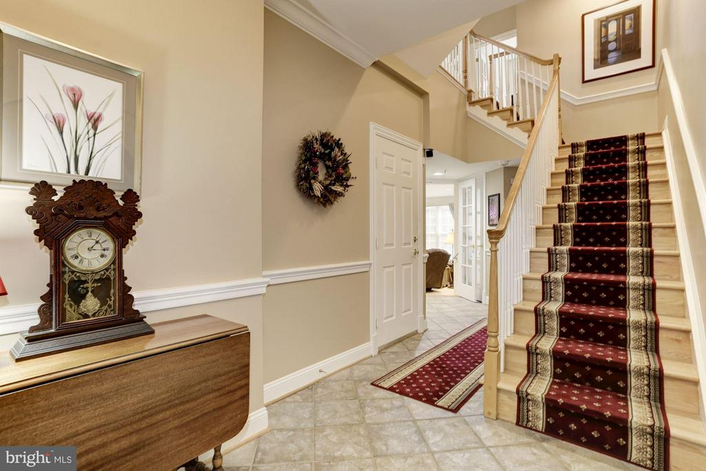 Main level entry to 2nd Family Room - 5237 BESSLEY PL, ALEXANDRIA