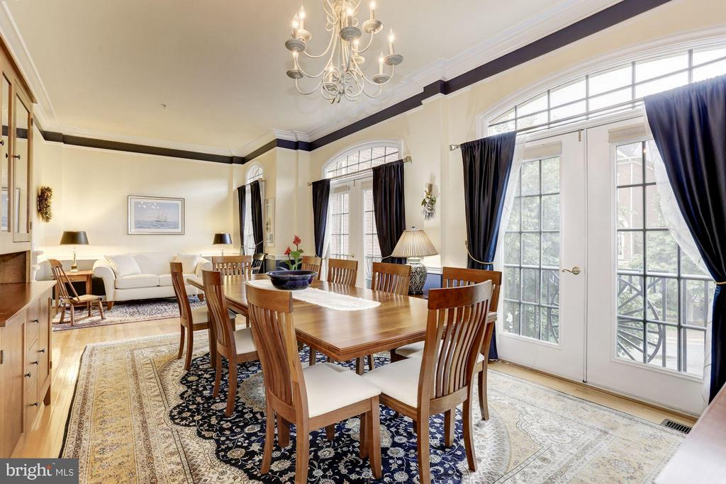 Open Living Room and Formal Dining - 5237 BESSLEY PL, ALEXANDRIA