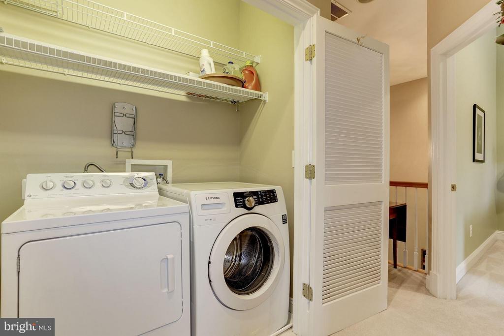 Laundry on bedroom level - 5237 BESSLEY PL, ALEXANDRIA