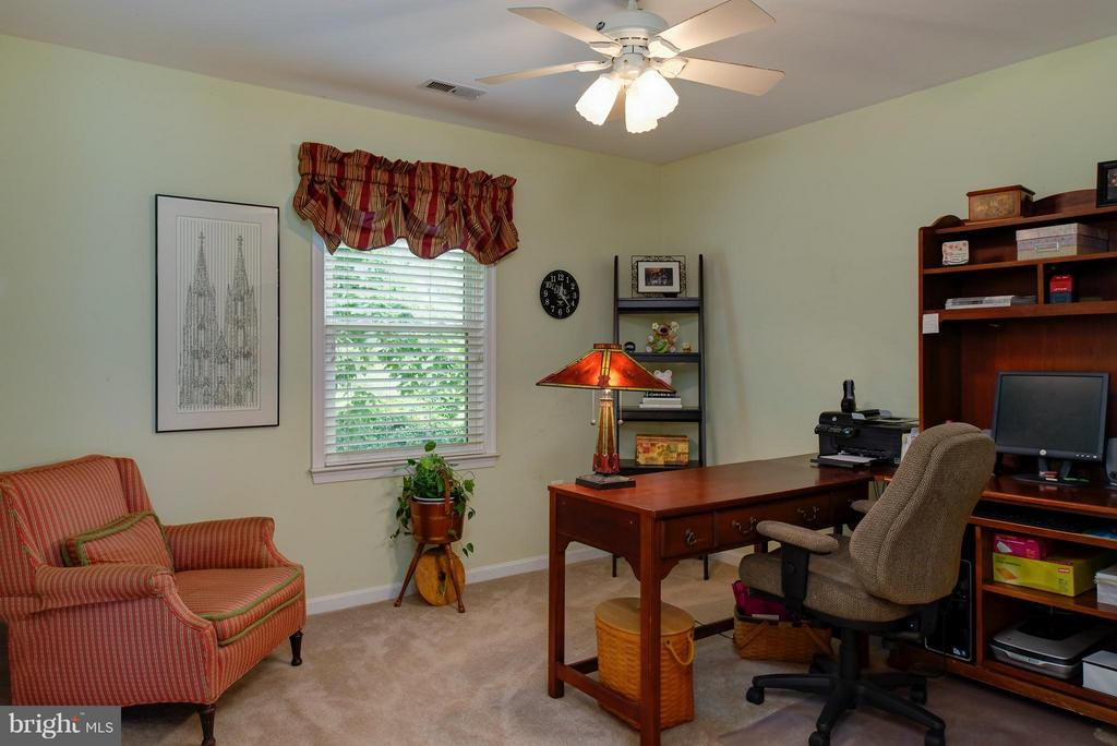 Office  or 5th bedroom - 7890 CANNONBALL GATE RD, WARRENTON