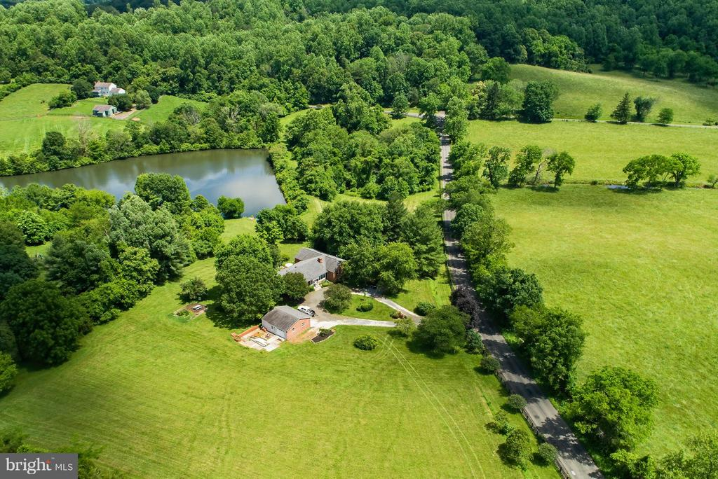 Spectacular 10 acres with shared pond - 7890 CANNONBALL GATE RD, WARRENTON