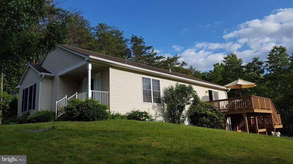 Single Family for Sale at 270 Breeze Lane Berkeley Springs, West Virginia 25411 United States