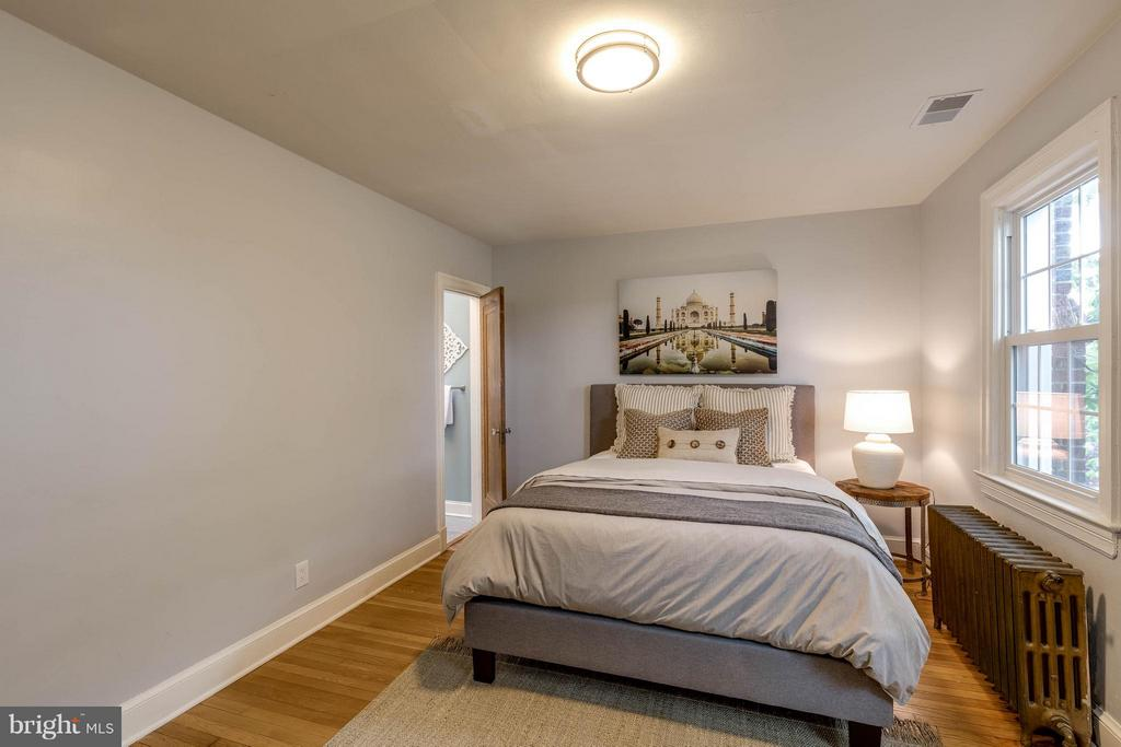 Bedroom (Master) - 5211 NEW HAMPSHIRE AVE NW, WASHINGTON