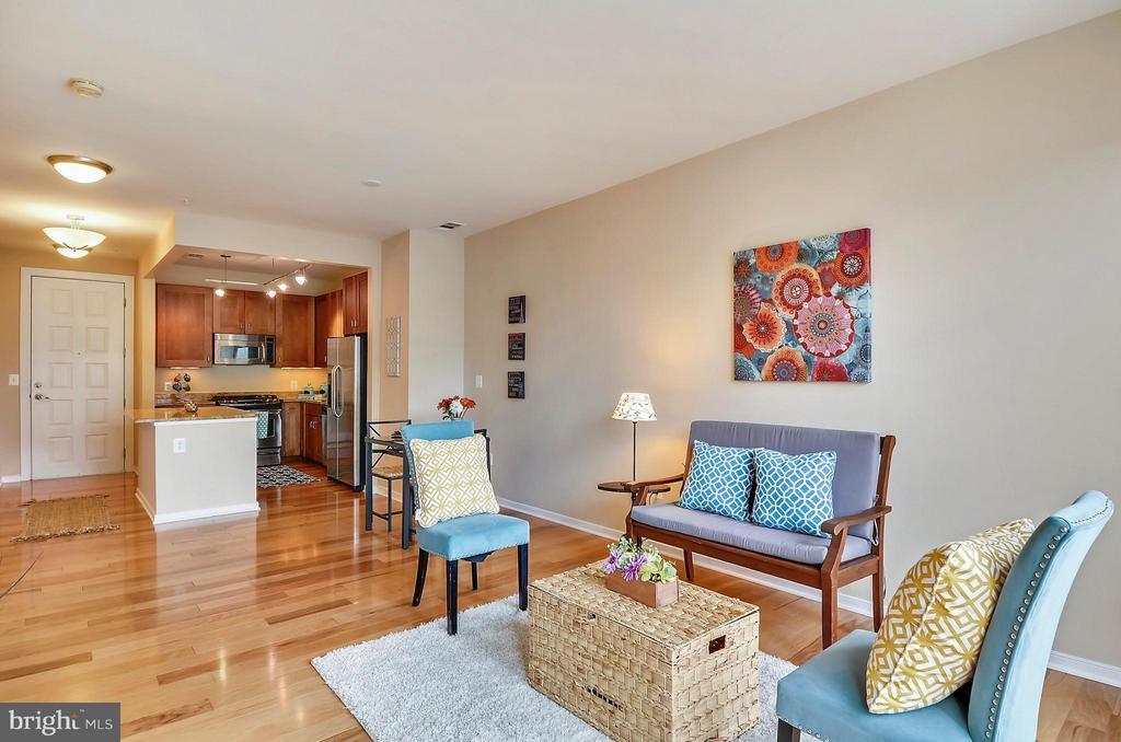 Modern open floor plan. - 2200 WESTMORELAND ST #207, ARLINGTON