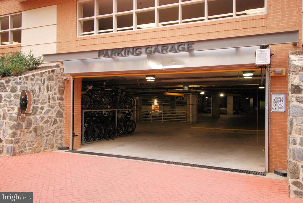 Secure Garage - 2200 WESTMORELAND ST #207, ARLINGTON