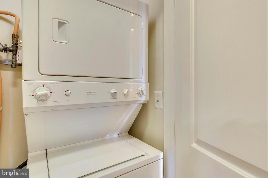In-Unit Washer & Dryer - 2200 WESTMORELAND ST #207, ARLINGTON