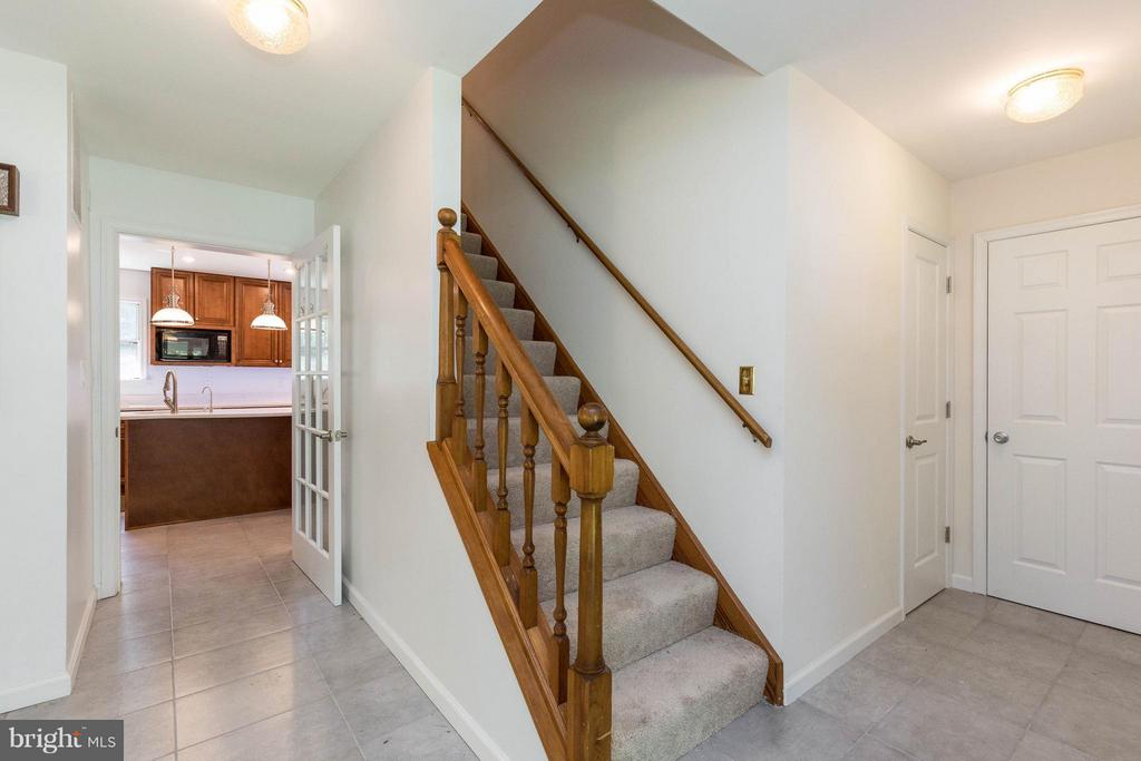 Foyer - 221 WINDRIDGE ACRES CT, SILVER SPRING