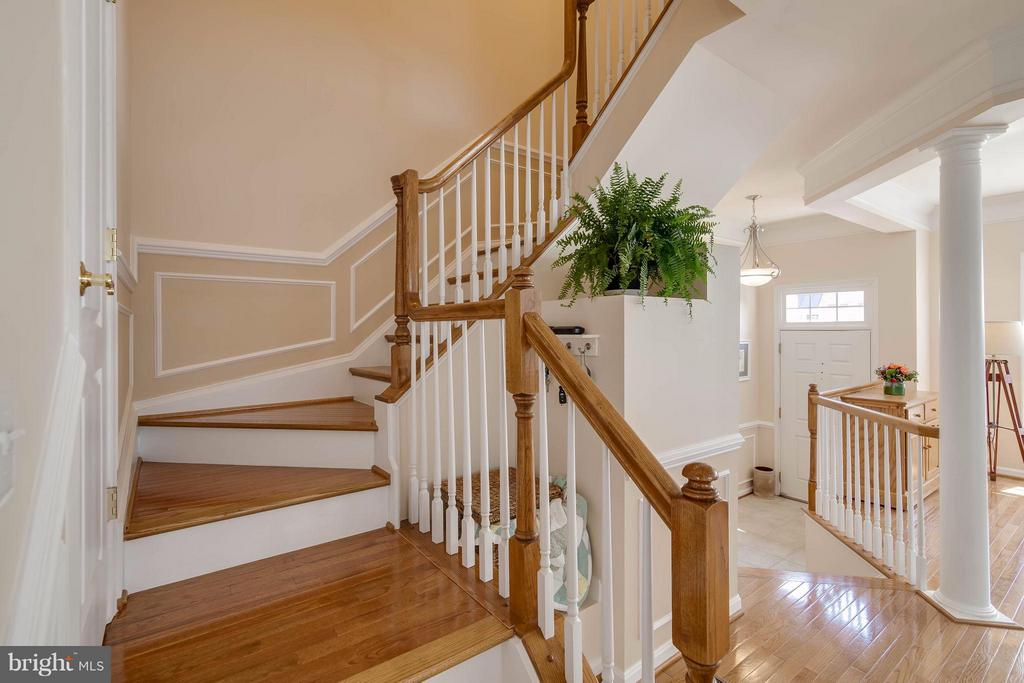 Staircase  from Dining Room - 21935 WINDY OAKS SQ, BROADLANDS