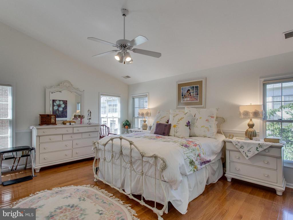 Bedroom (Master) - 6610 THURLTON DR, ALEXANDRIA