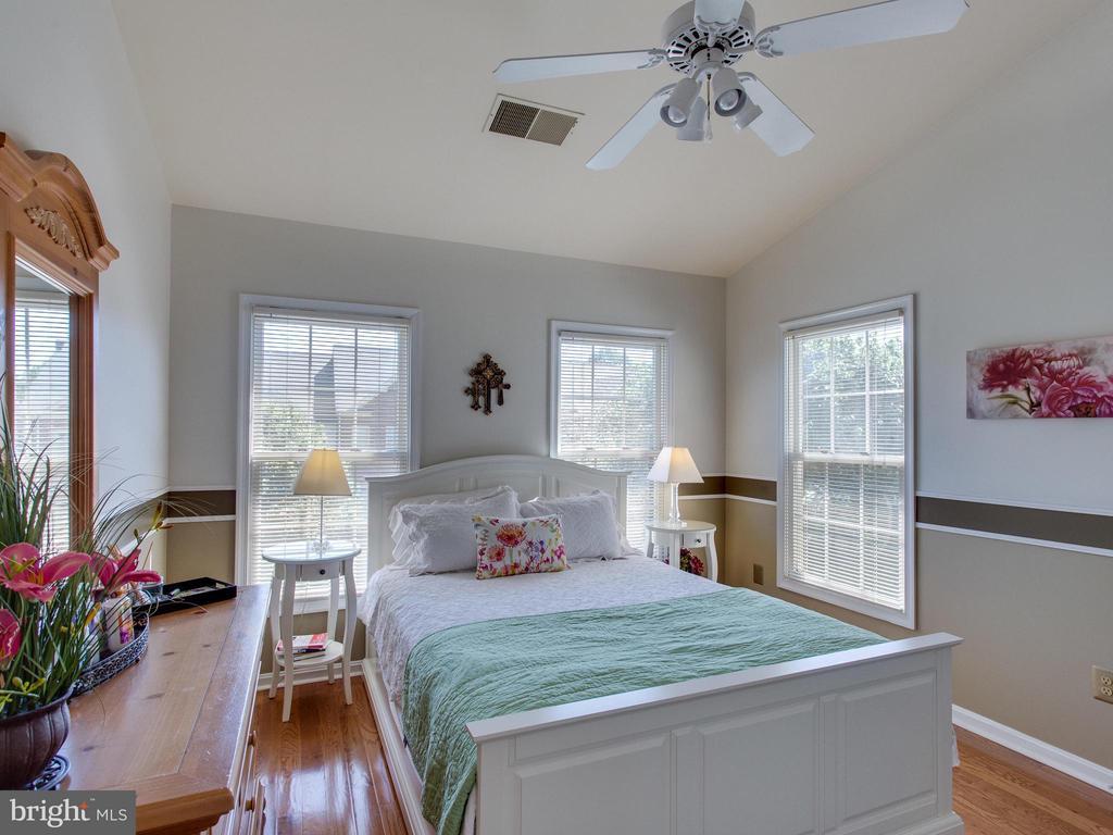 Bedroom 3 - 6610 THURLTON DR, ALEXANDRIA