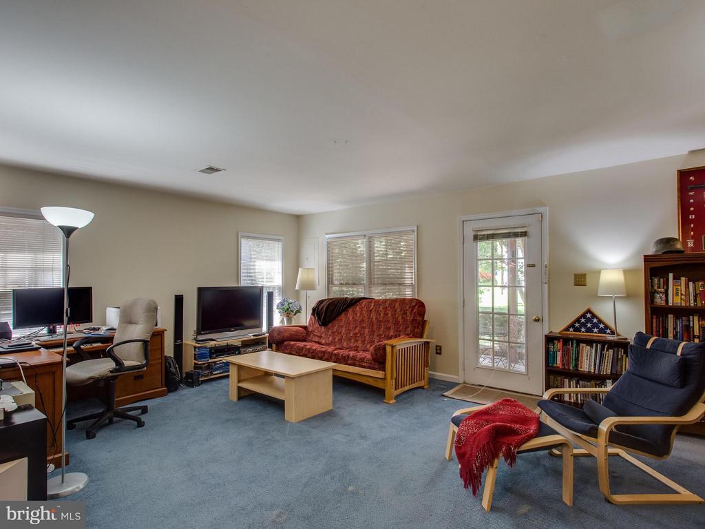 Basement Recreation Room - 6610 THURLTON DR, ALEXANDRIA