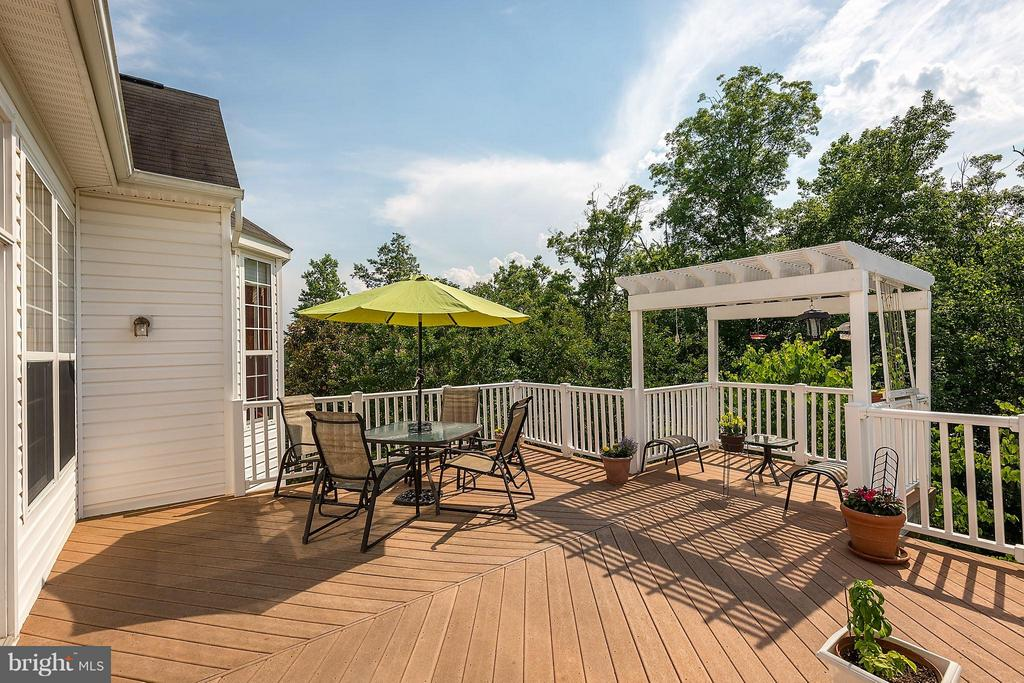 Deck Overlooking Woods - 17597 FOUR SEASONS DR, DUMFRIES