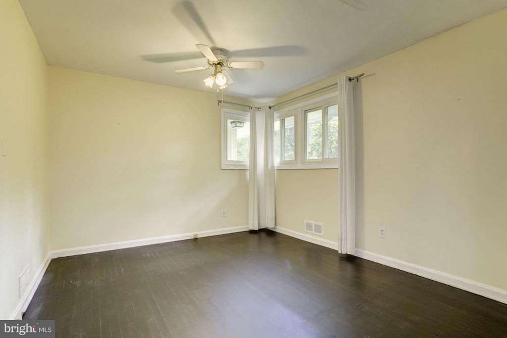 Bedroom #2 (1 of 2) - 7218 BEACON TER, BETHESDA
