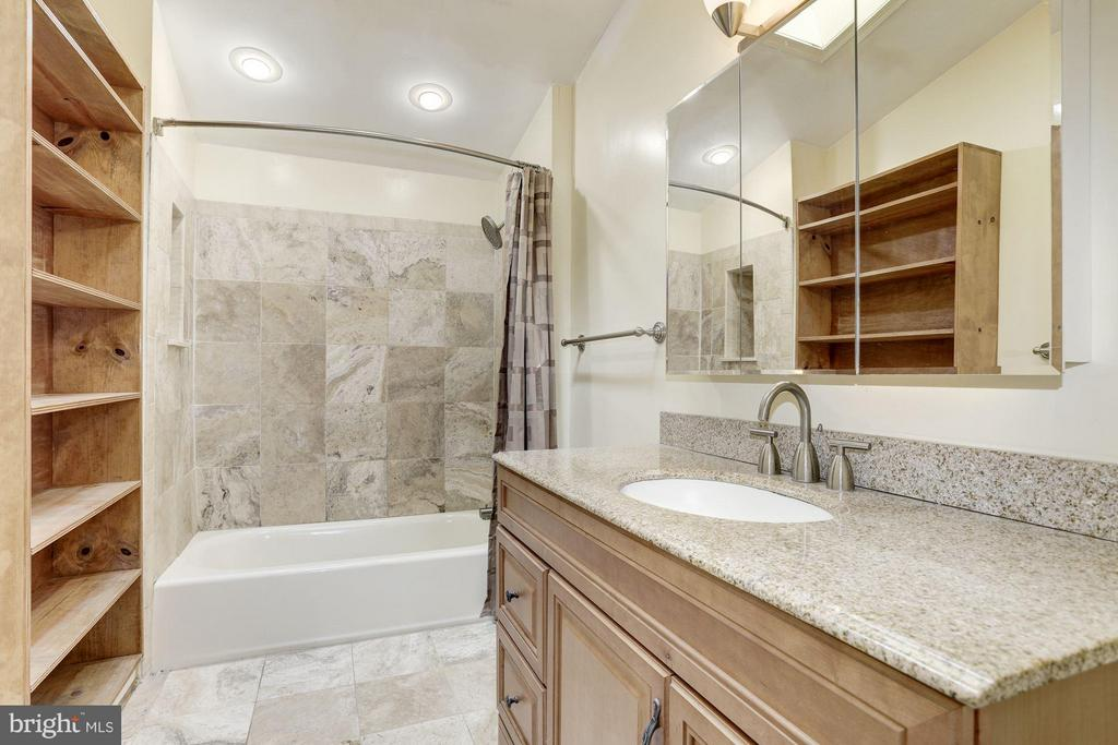 Master Bathroom - 7218 BEACON TER, BETHESDA