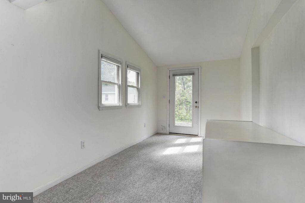 Sitting Room - 7218 BEACON TER, BETHESDA