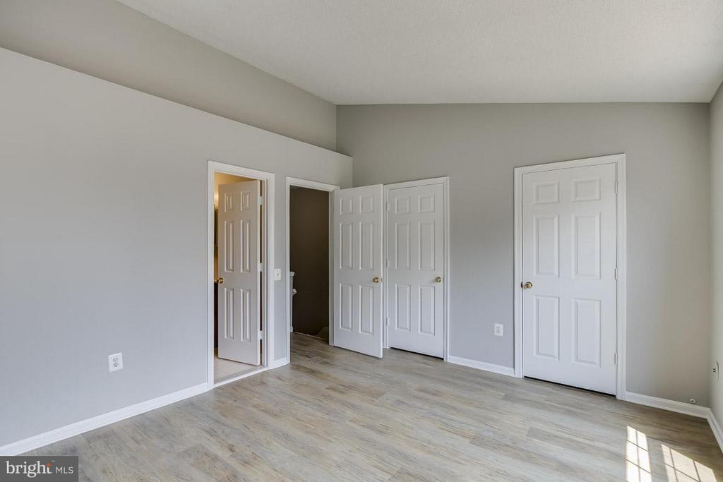 California Closet System - 12131 WEDGEWAY PL, FAIRFAX