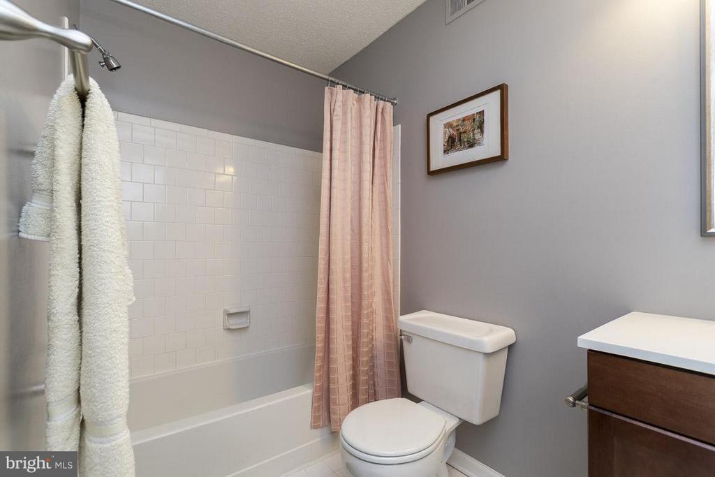 Master Bathroom - 12131 WEDGEWAY PL, FAIRFAX