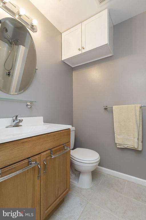 Full 3rd Bathroom - 12131 WEDGEWAY PL, FAIRFAX