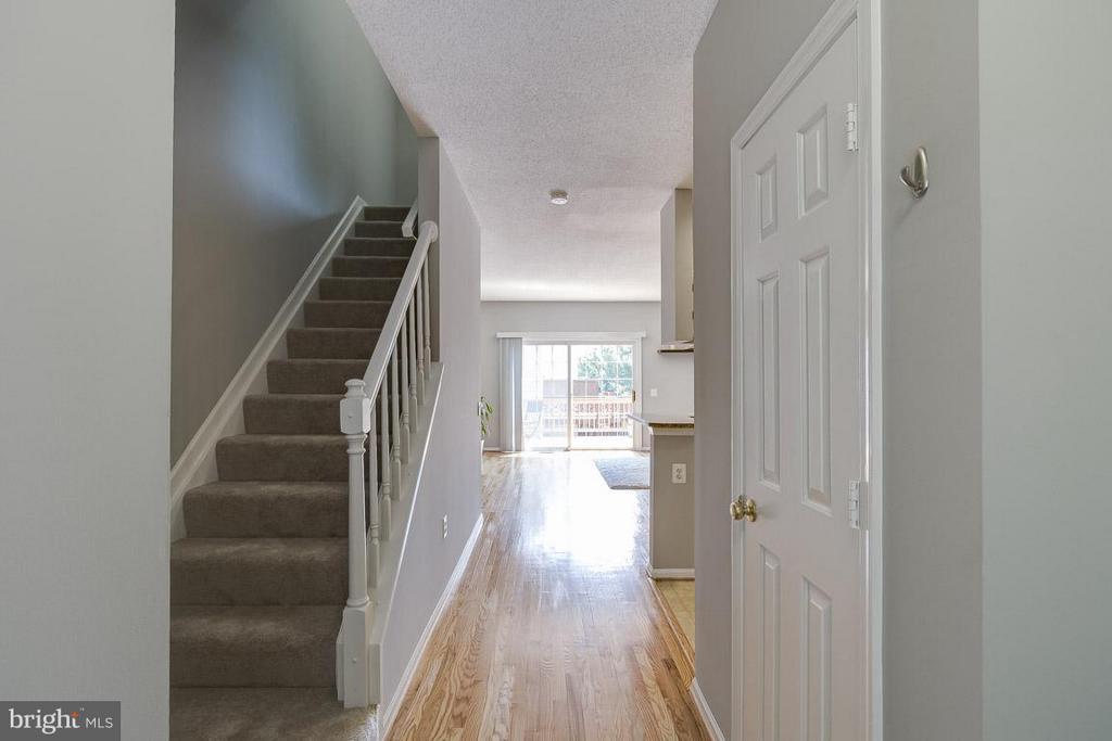 New Carpet on Stairs - 12131 WEDGEWAY PL, FAIRFAX
