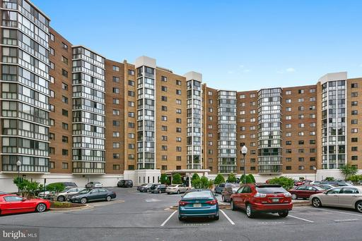 15100 Interlachen Dr #624, Silver Spring, MD 20906