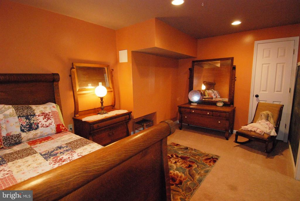 Basement Bedroom ( NTC ) - 10817 WOODLAND DR, FREDERICKSBURG