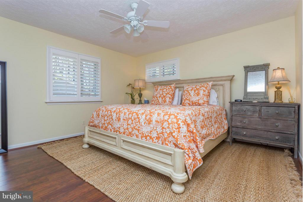 Bedroom (Master) - 125 HILLSIDE DR, LOCUST GROVE