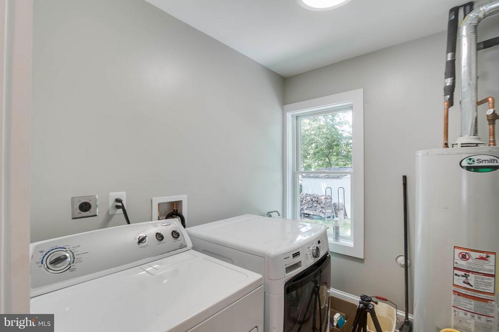Laundry Room - 732 PARK AVE, HERNDON