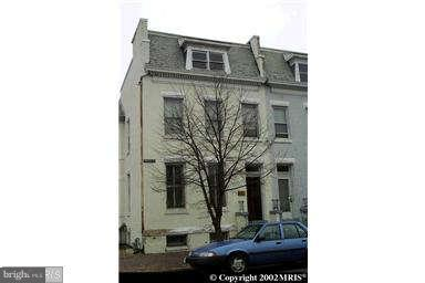 Commercial for Sale at 717 Princess St Alexandria, Virginia 22314 United States