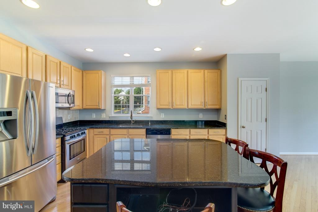New Granite Counters - 5292 SANDYFORD ST, ALEXANDRIA