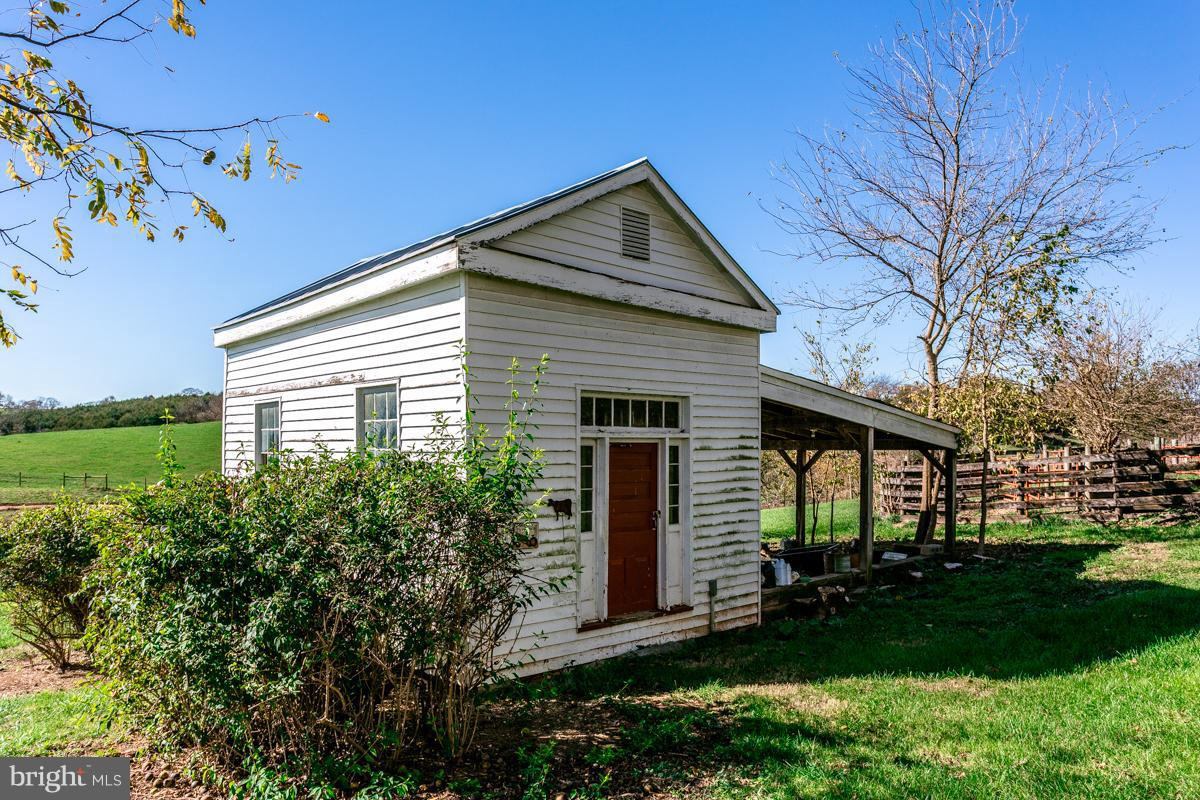 Additional photo for property listing at 4713 Wengers Mill Rd  Linville, Virginia 22834 United States