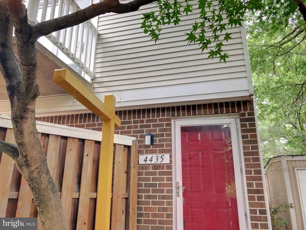 Exterior (Front) - 4435 PEMBROOK VILLAGE DR #115, ALEXANDRIA