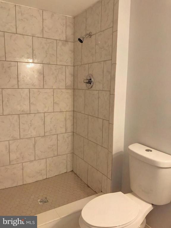Bath - 4435 PEMBROOK VILLAGE DR #115, ALEXANDRIA