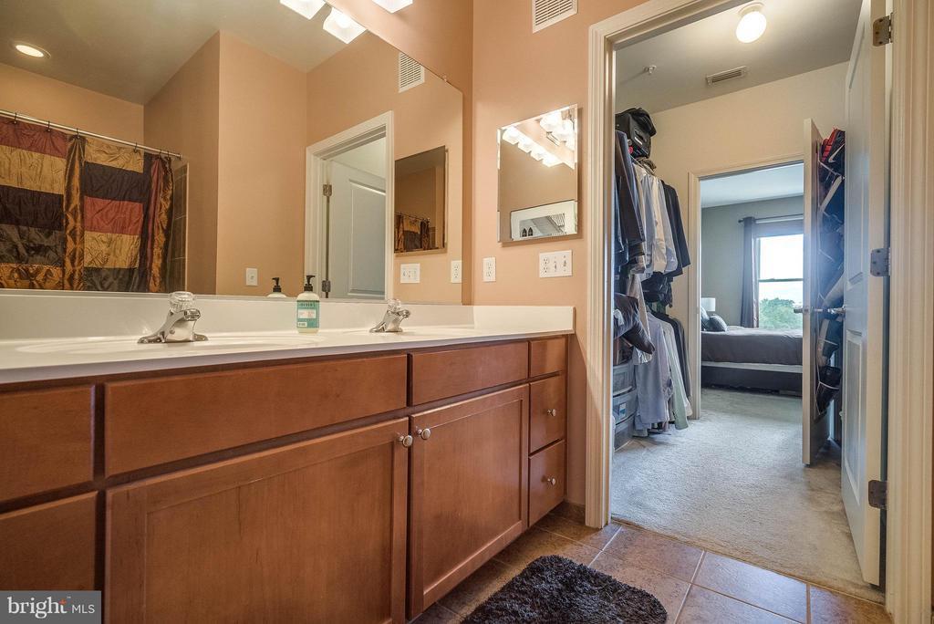 Bedroom (Master) - 1391 PENNSYLVANIA AVE SE #471, WASHINGTON